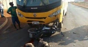 Montes Claros - Homem morre após bater de frente em ônibus escolar em Montes Claros