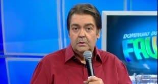TV - Faustão comete gafe e manda recado para Ariano Suassuna, que faleceu em 2014