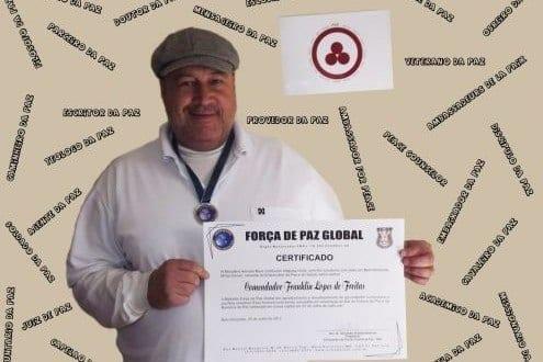 Voluntário da ONU, o mineiro vem sendo reconhecido pelas atividades desenvolvidas nas áreas sociocultural e humanitária / Foto: Arquivo recordista