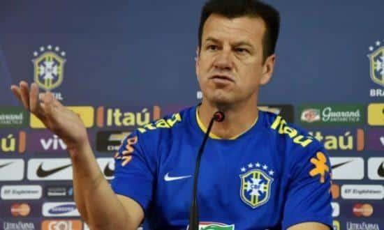 """""""Queríamos ganhar, mas não ganhar de qualquer jeito e sim apresentando bom futebol para nós mesmos, pela nossa qualidade técnica"""", disse Dunga"""