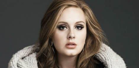 Adele também supera os dois álbuns mais vendidos da era digital