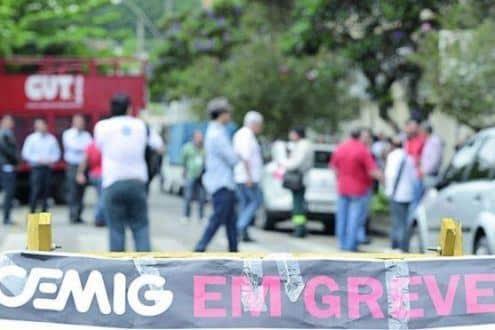 Funcionários da Cemig entram em greve