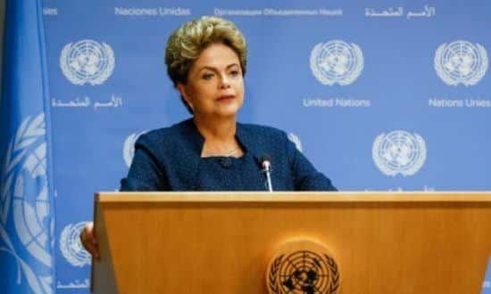 PT e PMDB estudam não participar da comissão com o argumento de que têm interesses diretos no processo de impeachment da presidente Dilma Foto: AFP