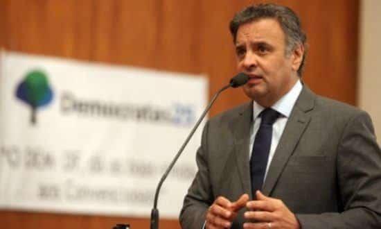Aécio reconheceu que não acredita que Dilma tenha sido beneficiária pessoal da corrupção Foto: George Gianni/ PSDB