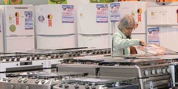 Instituído pela Eletrobrás, o selo Procel tem como objetivo indicar os equipamentos com os melhores níveis de eficiência energética no mercado