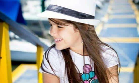 A pernambucana Letícia Gabriele, de sete anos, eleita Mini Miss Brasil 2015, está internada na Unidade de Terapia Intensiva (UTI) de um hospital em Olinda.