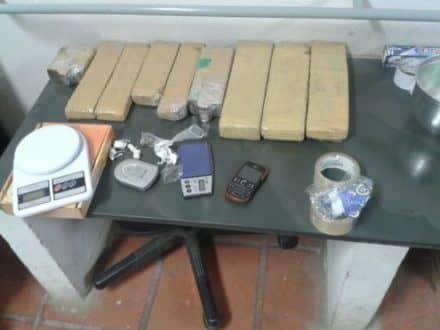 Norte de Minas - Em operação da PC em Janaúba, são presos 4 pessoas e 8 kg de drogas