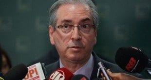 Em retaliação a PT, Cunha aceita pedido de impeachment de Dilma