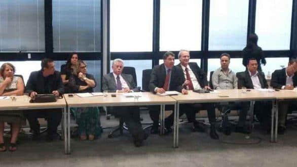 Secretários de Planejamento e da Fazenda durante reunião com representantes do funcionalismo público Foto: Jair Amaral