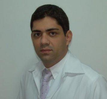 De acordo com o cirurgião bucomaxilofacial Danillo Rodrigues, a técnica é utilizada para a correção de deformidades e alterações dentofaciais.