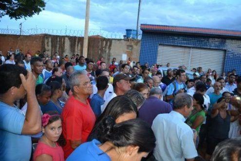 Montes Claros - Moradores comemoram o asfaltamento de ruas do bairro Jardim Primavera