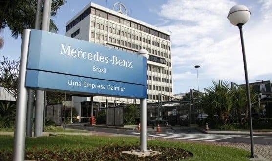 Mercedes-Benz coloca 1.500 funcionários em licença remunerada