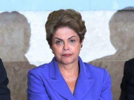 Em dezembro do ano passado, Dilma Rousseff cogitou a possibilidade de deixar o PT e formar um governo suprapartidário