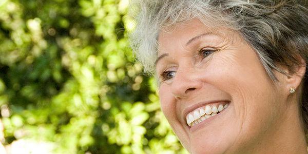 Tomar alguns cuidados simples durante a terceira idade pode ajudar a preservar uma boa visão depois dos 60 anos (Foto: Free Images)