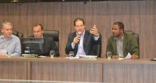 Durante a audiência, Ruy Muniz falou sobre as medidas emergenciais que serão adotadas e anunciou um projeto que irá regulamentar a abertura de loteamentos na cidade