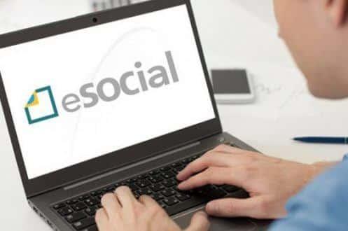 Empregador doméstico tem nesta sexta para pagar guia do eSocial