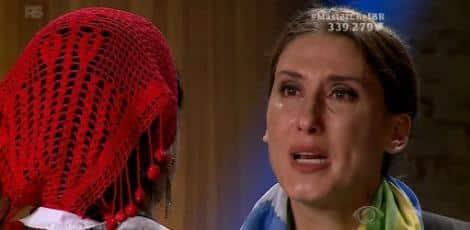 Paola Carosella foi às lágrimas em dois momentos da estreia do MasterChef Brasil Foto: Reality Social/Twitter/Reprodução