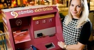 Bancos oferecem a clientes venda de dólares em caixa eletrônico