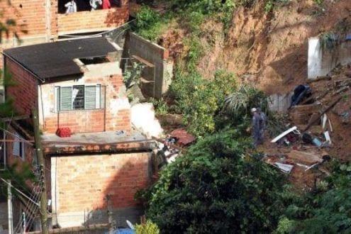 Sobe para 15 número de mortos em São Paulo por causa das chuvas