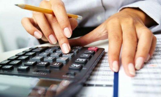 Quando é analisado por setores, o faturamento dos pequenos negócios ligados a serviços amargou a maior perda