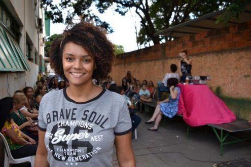 """Alice Soares Amaral, atendente do Bolsa Família, aprovou a ação. """"É ótimo, bom demais. É muito importante para ter esta interação entre os setores"""", disse. - Foto Daniel Moraes"""