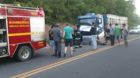 Norte de Minas - Acidente deixa 4 pessoas mortas em Lontra