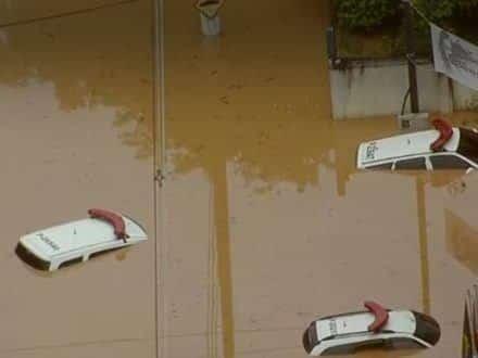 Chuvas deixam ao menos 10 mortos em São Paulo