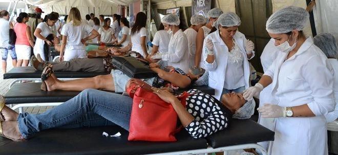 Na Praça Dr. Carlos, foram oferecidos às montes-clarenses diversos serviços de saúde