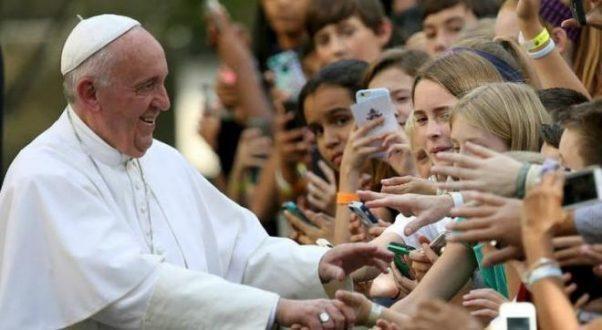 """Papa Francisco cria conta publica no Instagram e posta: """"rezem por mim"""""""