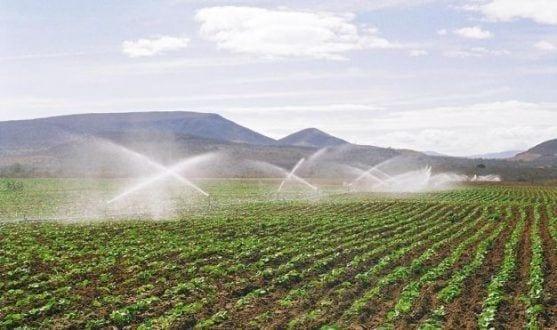 Montes Claros - Prefeitura de Montes Claros conscientiza sobre economia de água e instalação de hidrômetros na zona rural