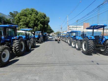 Norte de Minas - Seda entrega equipamentos para assentamentos da reforma agrária no Norte de Minas