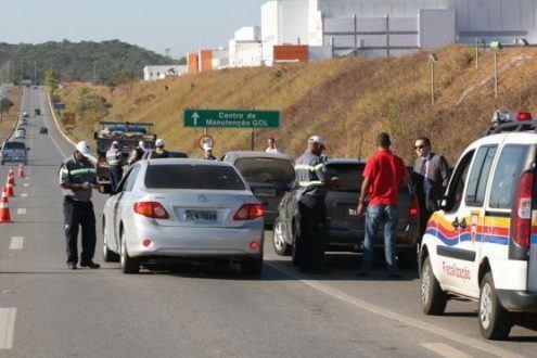 MG - DER/MG intensifica fiscalização no feriado de Tiradentes