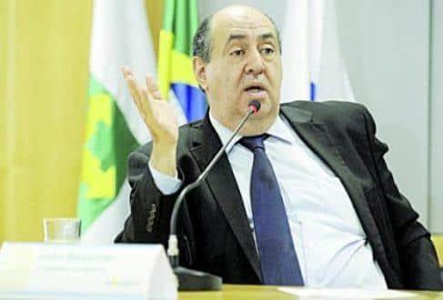 """João Rezende, da Anatel, disse que desconhece cortes """"na prática"""""""