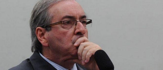 Maioria do STF aprova afastamento de Cunha