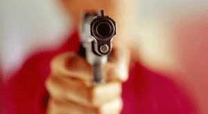 MG - Menino de 2 anos leva três tiros no lugar do tio