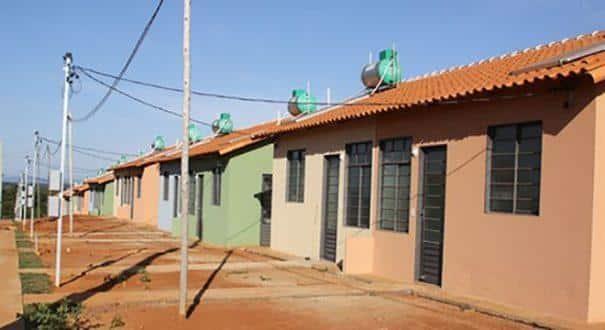 As casas estão localizadas nos conjuntos Rio do Cedro, na Vila Castelo Branco e Monte Sião IV, no bairro Village do Lago
