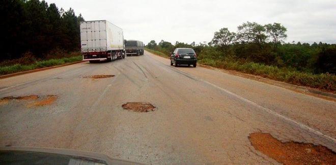Norte de Minas - A BR 251 será restaurada para amenizar a precariedade da parte mineira da estrada