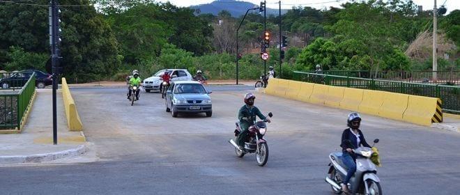 Montes Claros - Ponte encurta distância entre o bairro Renascença e o bairro Amazonas em Montes Claros