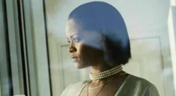 Rihanna lança projeto que oferece bolsa de estudos para universitários brasileiros