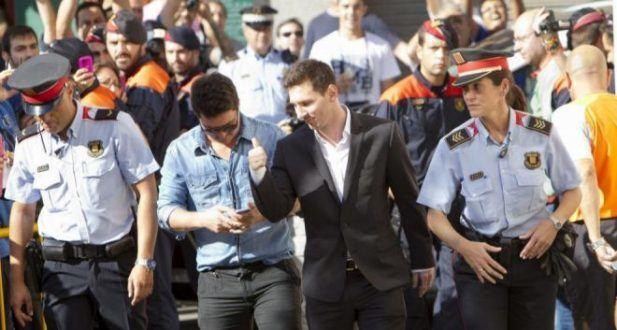 Futebol Internacional - Promotoria exime Messi de fraude fiscal mas acusa o pai do jogador