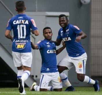 Brasileirão 2016 - Cruzeiro vence a primeira no Brasileirão