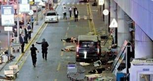 Terminal de Ataturk. Cenas de guerra na entrada do local: pessoas feridas foram levadas para as calçadas do lado de fora do aeroporto