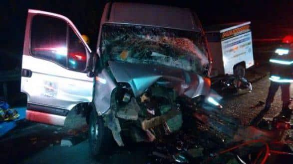 Montes Claros - Colisão frontal deixa 14 feridos em Montes Claros