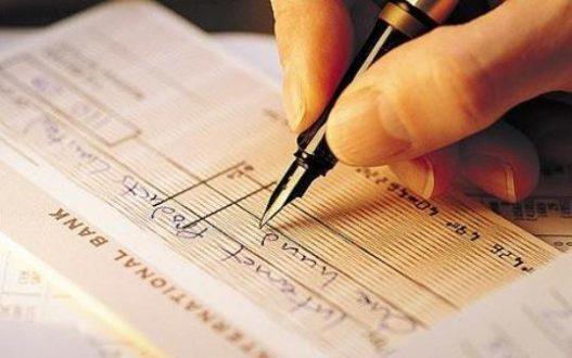 Cheques estão sendo deixados de lado, diz Banco Central