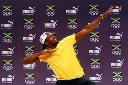 Bolt posa para foto durante evento no Rio
