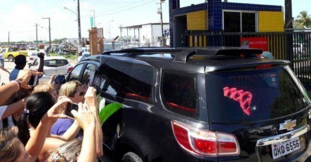 Corpo do ator Domingos Montagner embarca para São Paulo