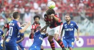 Brasileirão 2016 - Cruzeiro perde de virada do Flamengo