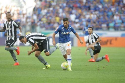 Brasileirão 2016 - Em casa, Cruzeiro perde para o Botafogo