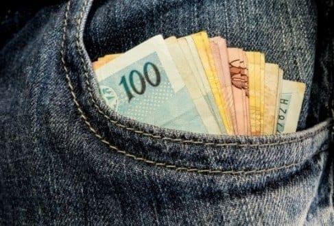 Em um ano, renda dos mais pobres caiu 9%, diz IPEA