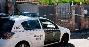 Fachada da casa onde os corpos dos brasileiros foram encontrados